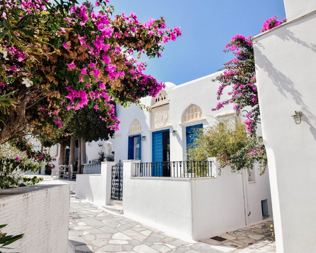 White houses in Tinos